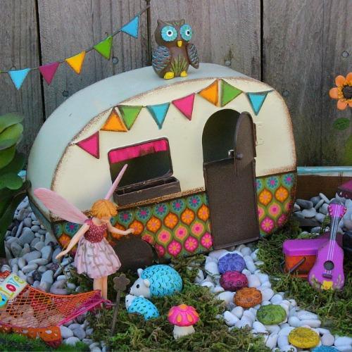 Campers - Tents - Gazebos
