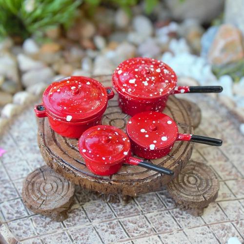 Fairy Cooking Set – Miniature Pots – Garden Sparkle