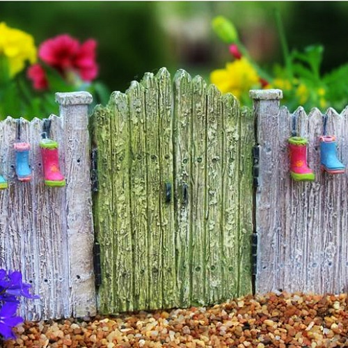 the-fairy-boot-fence-fairy-garden-fence
