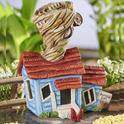 Auntie Ems House – Wizard of Oz Garden